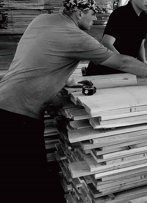 ドナオーク 職人の誇りをかけて自慢の木材を最高の状態に①