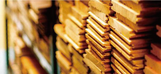 世界中から選び抜かれた木材たち